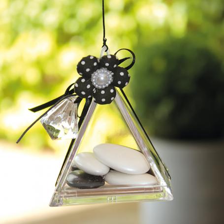 pyramide plexi transparente contenant à dragée